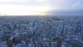 東京タイムラプス 夕暮れの世田谷区調布方面の街並み 69337562