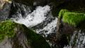 清流から流れ落ちる滝 70300469