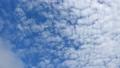 입동 날의 하늘. 깊어지는 가을. 계절감이있는 구름. 시간 경과 동영상. 푸른 하늘의 배경 소재 71722192