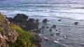 宮古島平安神奈崎東海岸的景色,日出後在早晨的陽光下閃耀 72432234