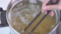 在鍋中用沸水煮意大利面 72564889