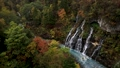 【北海道美瑛町の秋】白ひげの滝と紅葉 10月 74645148