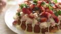 草莓蛋糕,磅蛋糕,白巧克力,水果蛋糕,糖果,草莓,甜食 74757819