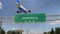 Airplane landing Japan Diebenburg 76163487