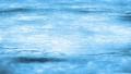 流れる水面 78100256