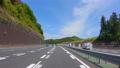 高速道路を走る自動車の車窓からの景色 78801818