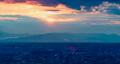 山脈の奥に太陽が沈む東京の街並み 78801819