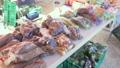 直売所に並べられた野菜を撮影 82035174